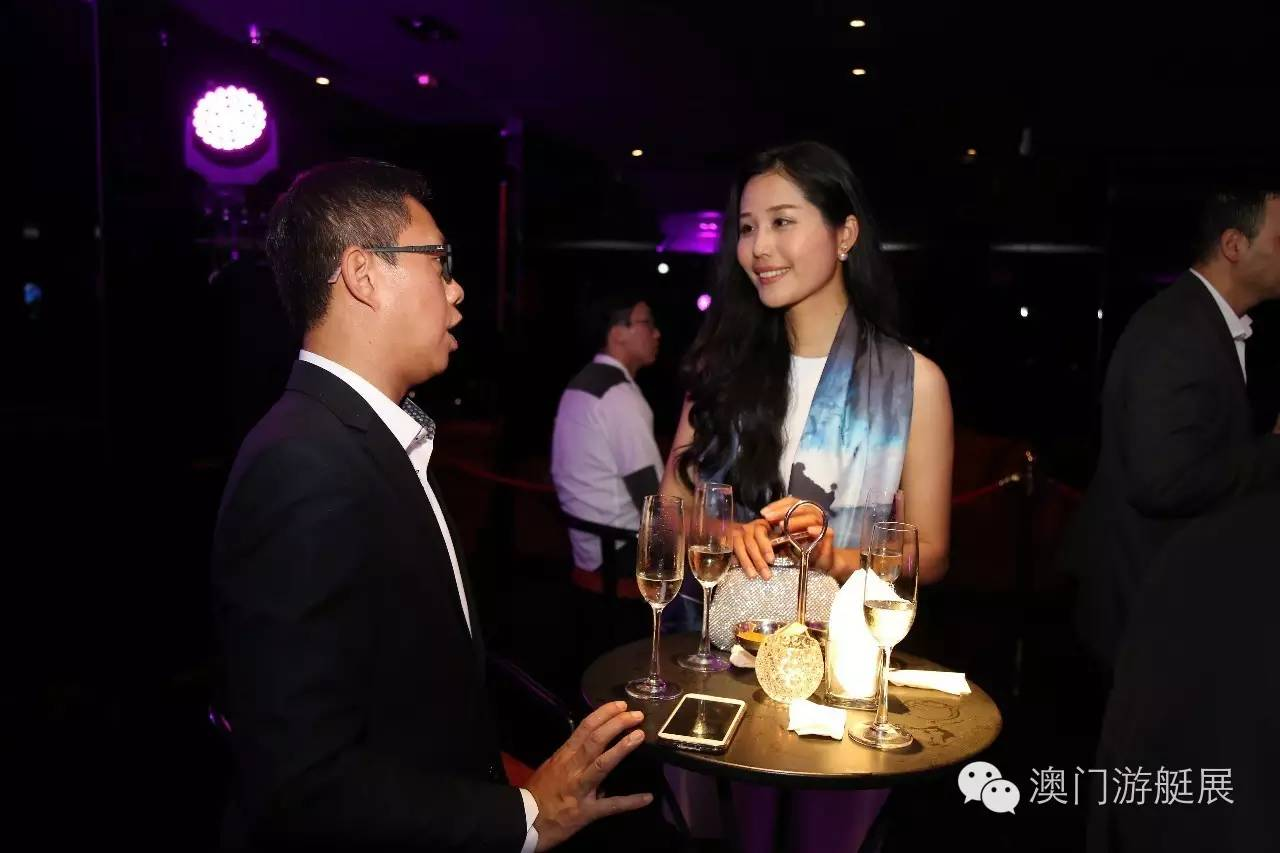 百位VIP齐聚澳门游艇展第六周年COCKTAIL PARTY 2e85ab93a5241282bfbf97cc25523320.jpg