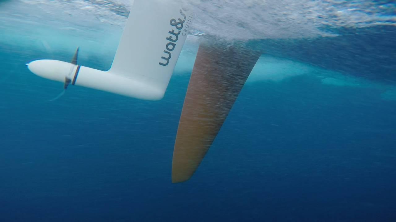 沃尔沃帆船赛参赛船只将安装水力发电系统推进环保节能理念! 72da438f6379447acc69780297d7311b.jpg