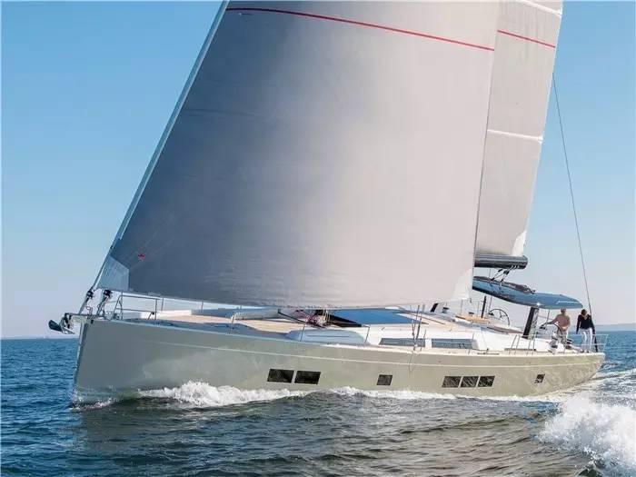设计公司,碳纤维,日光浴,最大的,制造商 不断被模仿,无法被超越--德国汉斯帆船最新船型:Hanse 675 691c7577631457d6338db3689cc3183a.jpg