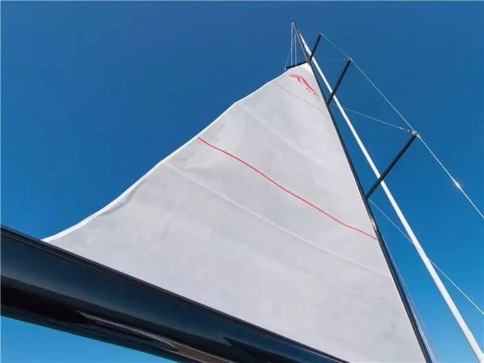 设计公司,碳纤维,日光浴,最大的,制造商 不断被模仿,无法被超越--德国汉斯帆船最新船型:Hanse 675 da495bb3cf71438348254f8dbfd0d132.jpg
