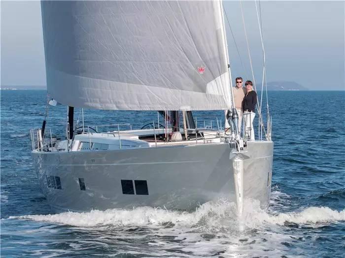 设计公司,碳纤维,日光浴,最大的,制造商 不断被模仿,无法被超越--德国汉斯帆船最新船型:Hanse 675 479ee0a3c3d861496bc1c257e52ceb1b.jpg