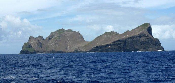 青岛号,郭川,郭川最后通话,横跨太平洋,超级大三体 郭川船长落水时间和地点分析 002OeZamgy6DPnuOInR27&690.jpg