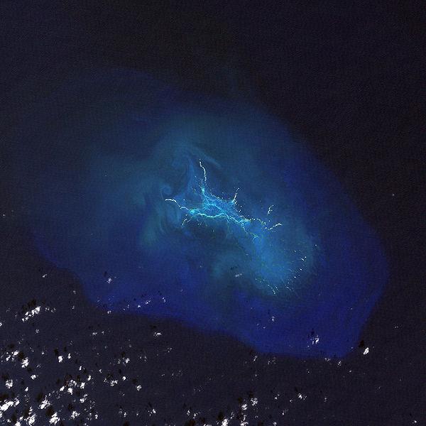 青岛号,郭川,郭川最后通话,横跨太平洋,超级大三体 郭川船长落水时间和地点分析 002OeZamgy6DPoKjMOh75&690.jpg
