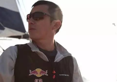 他辞掉国企高管,为梦想漂泊海洋,如今51岁的郭川失联了,我们依然等他