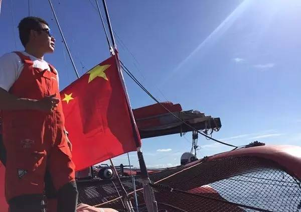 他辞掉国企高管,为梦想漂泊海洋,如今51岁的郭川失联了,我们依然等他 b17f044e5c50c198551df41fa32a7d6c.jpg