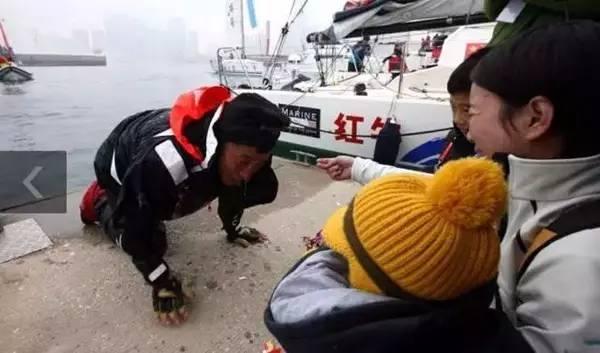 他辞掉国企高管,为梦想漂泊海洋,如今51岁的郭川失联了,我们依然等他 54cdfa0263430af4998f46e638e6cf9d.jpg
