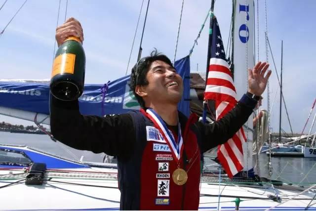 挑战极限的旺代单人环球帆船赛,终于出现了第一个亚洲人! 238f5a79342b0c7444a398f1dc34efa7.jpg