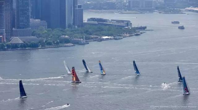 挑战极限的旺代单人环球帆船赛,终于出现了第一个亚洲人! ce7d794d5315cf14127260754b7cd66e.jpg