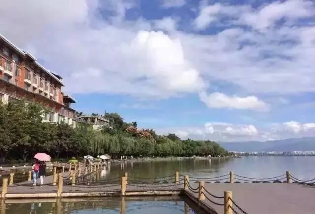 川西高原用帆船约你秋天去邛海撒个欢吧! c369138ccbfe99d82e816fbe471a9220.jpg