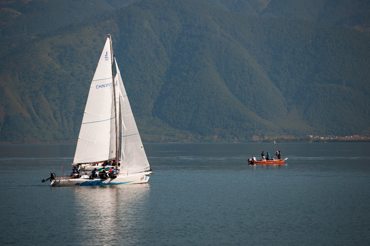 川西高原用帆船约你秋天去邛海撒个欢吧! 6ad5e0533dca8648dc12d29ff399d532.jpg