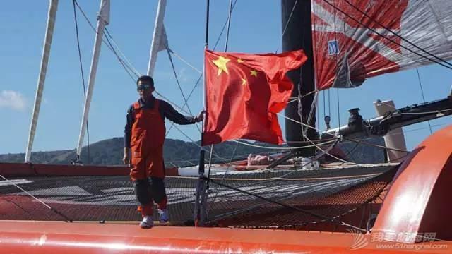 他仍然在大海上飞翔——新华社记者眼中的郭川 f5a3d78fe937490c9c8e0cd36ecd7a99.jpg