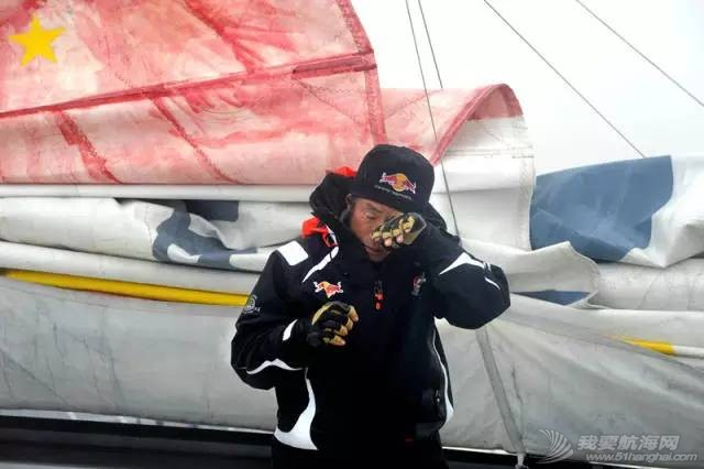 他仍然在大海上飞翔——新华社记者眼中的郭川 9d322e56377b441f30c2ac93eff2f09d.jpg
