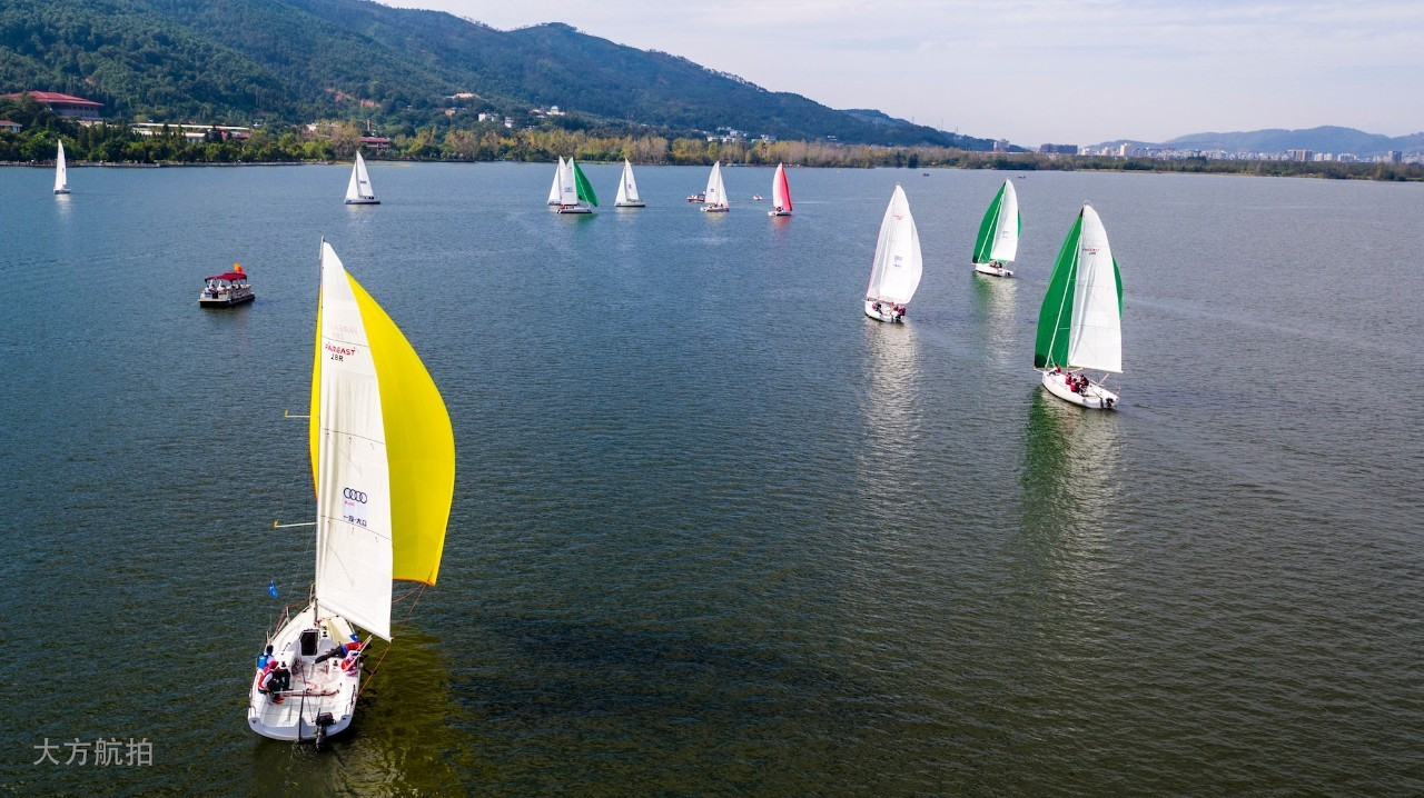 邛海帆船赛第二日比赛赛况 ce43b931629fd2ca27046bc7b4852ff0.jpg