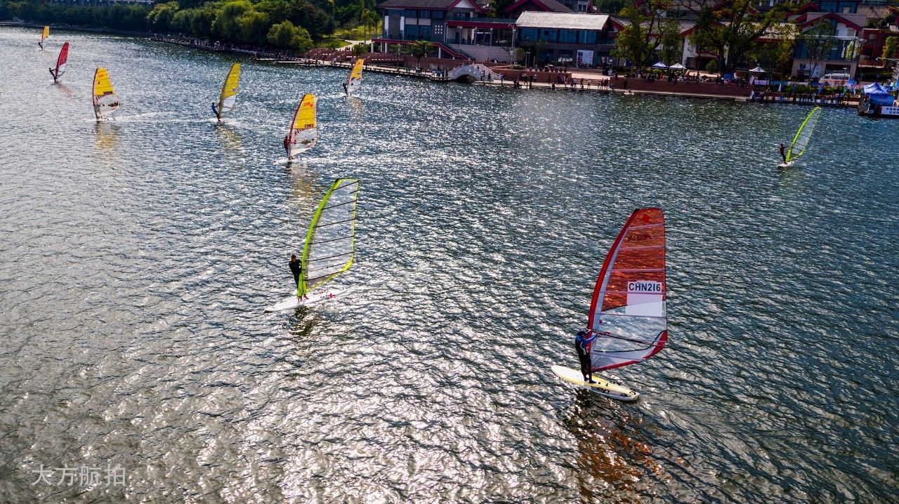 邛海帆船赛第二日比赛赛况 a3f5fe27e3a6c45a248b146cfaefe3c4.jpg
