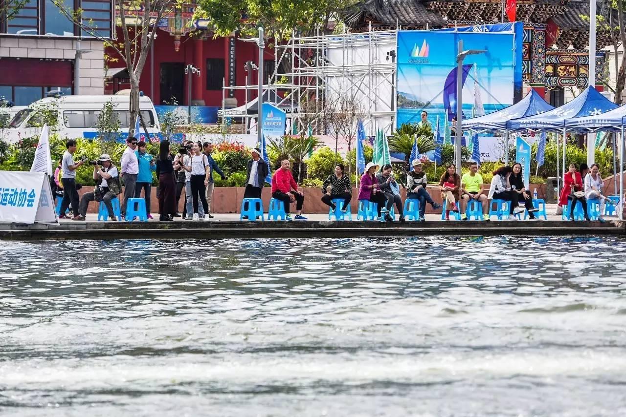 邛海帆船赛第二日比赛赛况 ebc6ef0208441692b019554cec452966.jpg