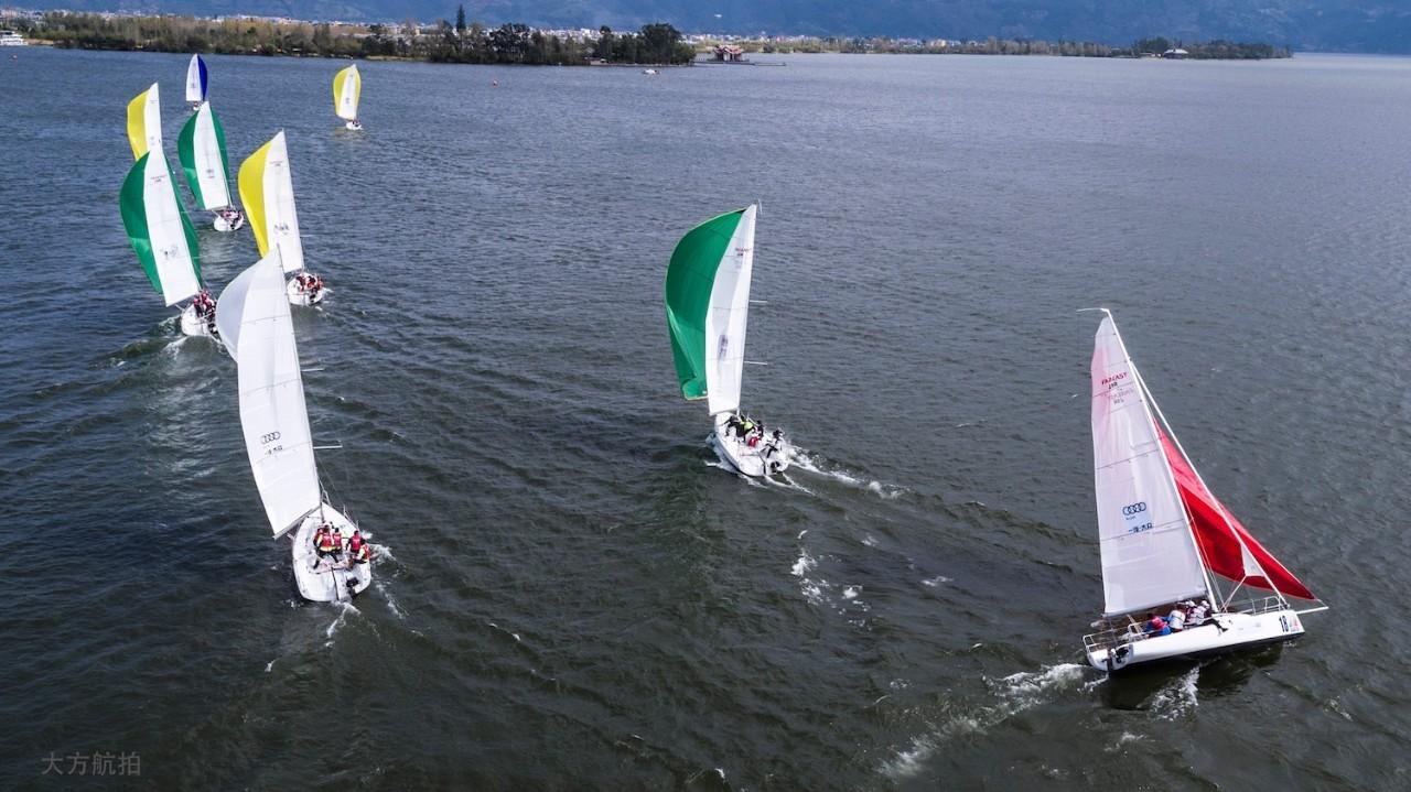 邛海帆船赛第三日:好风助力精彩纷呈 c8729ead50acb250d606531036272558.jpg