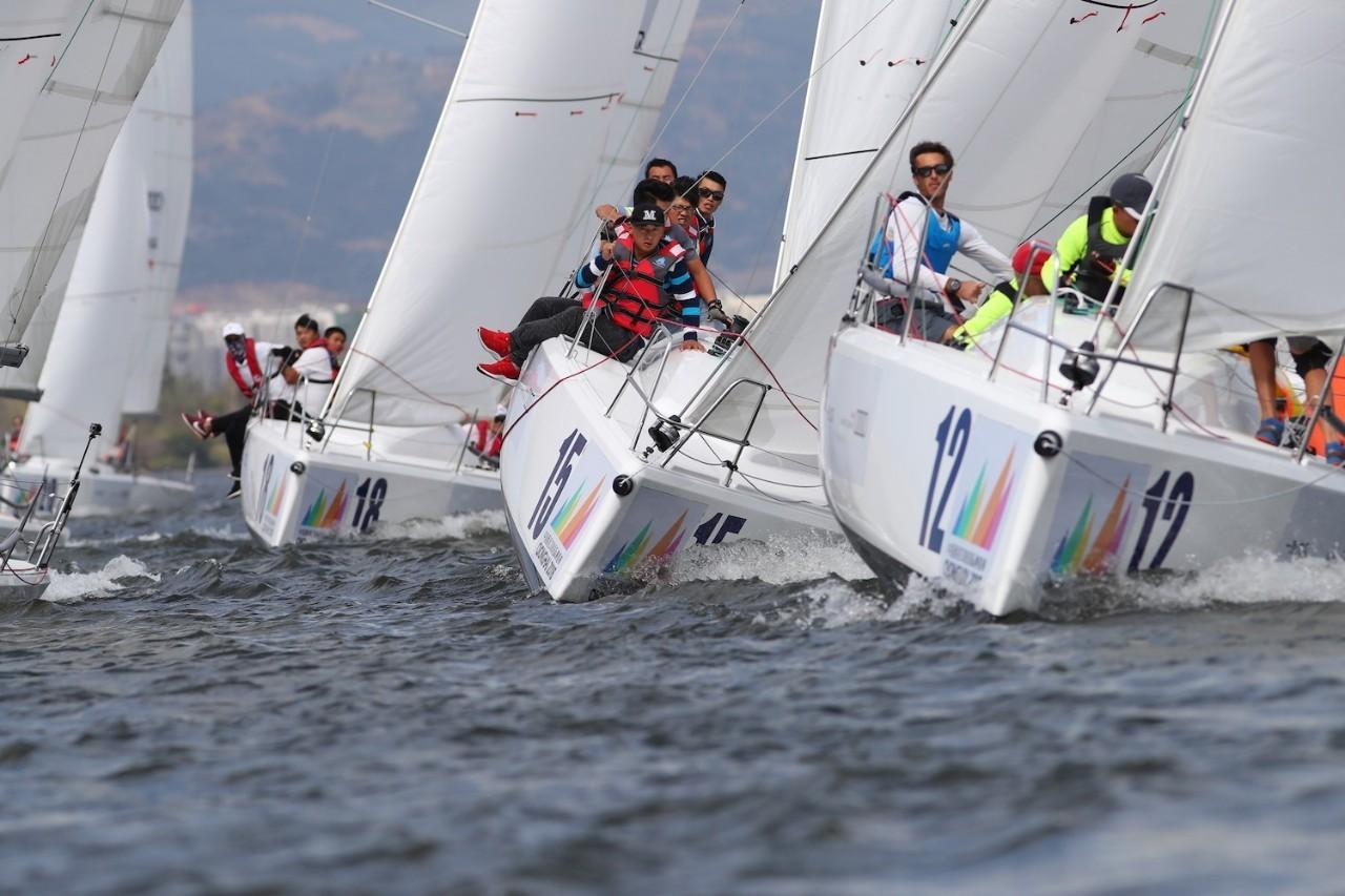 邛海帆船赛第三日:好风助力精彩纷呈 38e8925293fa754ac516896865d92d47.jpg