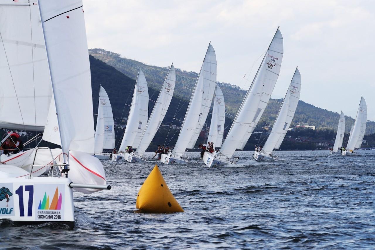 邛海帆船赛第三日:好风助力精彩纷呈 a92e6176f304981efee7226c06eb18e0.jpg