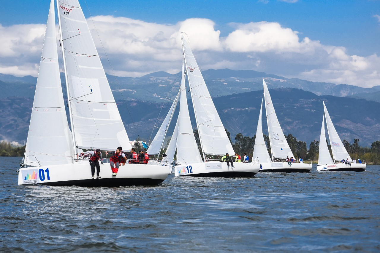 邛海帆船赛第三日:好风助力精彩纷呈 06a3fe2938ebcacb8e3c244acf412e26.jpg