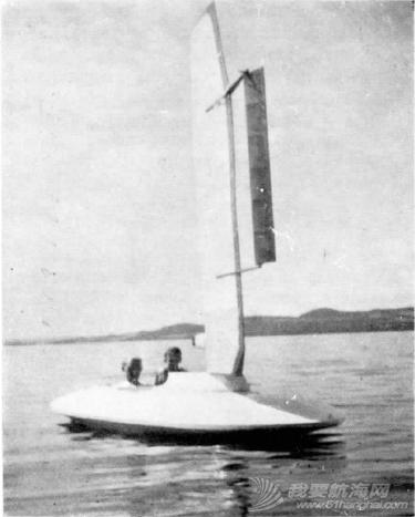 如何 请问硬帆如何操控?能不能通过直接转动桅杆,来改变硬帆角度? 3-Flaunder.png