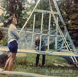 如何 请问硬帆如何操控?能不能通过直接转动桅杆,来改变硬帆角度? 4-Wing