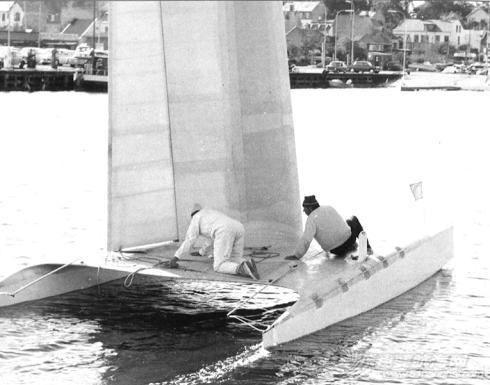 如何 请问硬帆如何操控?能不能通过直接转动桅杆,来改变硬帆角度? 8-Dulcinea