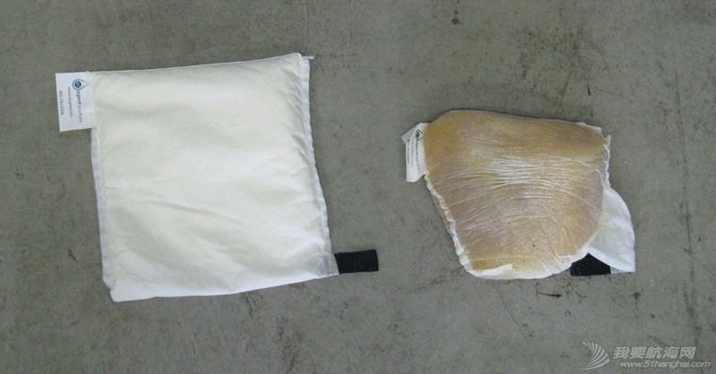 绿色用船指南三:舱底维护 Marine-Oil-Pillow-and-Boom-for-Oil-Spills-3.jpg