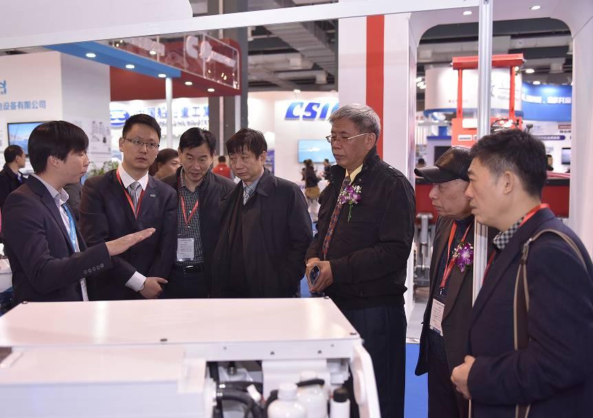 盛大揭幕 2016上海国际商用及公务船舶展览会与11月29日上午盛大揭幕! 6afde8e28d79f102ccb65f4c82e009c5.jpg