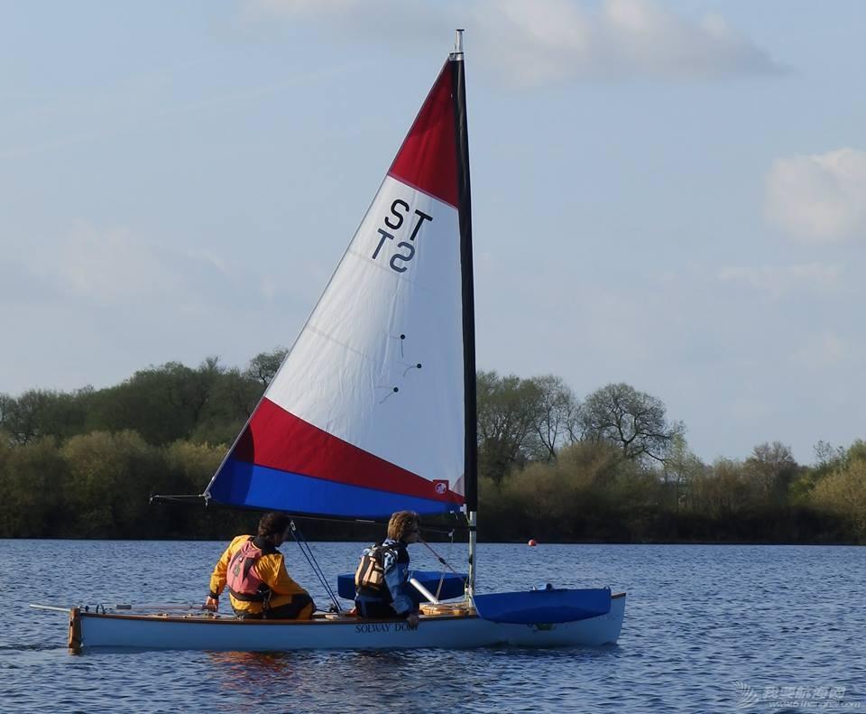 皮划艇 单人皮划艇能自己加上小帆么? 11150514_1028189333877291_4111827539767958987_n.jpg
