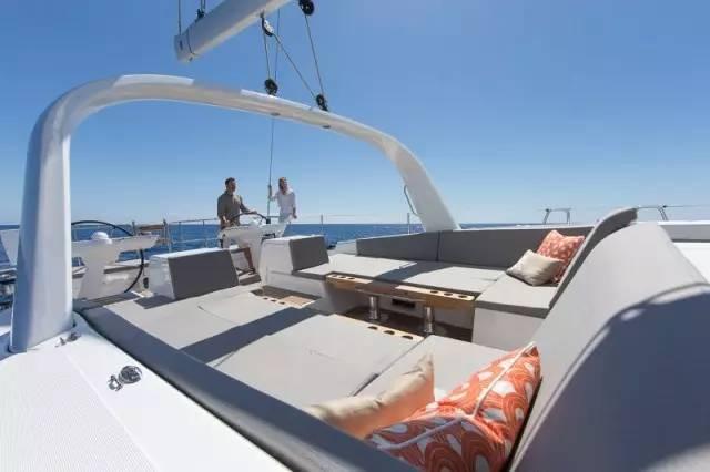 日光浴,稳定性,爱好者,安全性,经典的 Jeanneau 64 超级帆船—经典与现代的完美结合 704a0842b4b55469b27b739a3978d85e.jpg