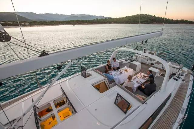 日光浴,稳定性,爱好者,安全性,经典的 Jeanneau 64 超级帆船—经典与现代的完美结合 4a3ad65031cbc2dd1620350a60233246.jpg
