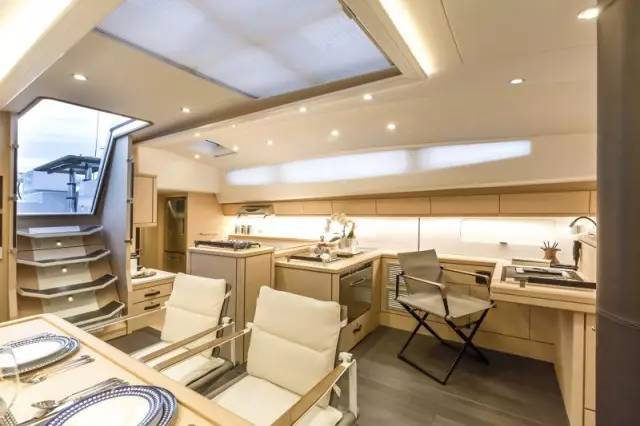 日光浴,稳定性,爱好者,安全性,经典的 Jeanneau 64 超级帆船—经典与现代的完美结合 a36db58b8912b1c0917c2e1289286991.jpg