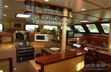 这种双体帆船适合远航吗? 190921y1xge65cu2a6lccl.jpg