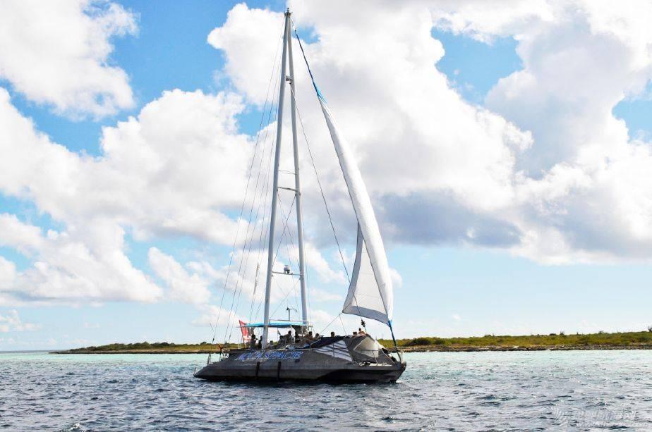 发几张三体帆船给大家看看 212011n9v9uc5vxmvhhhdr.jpg