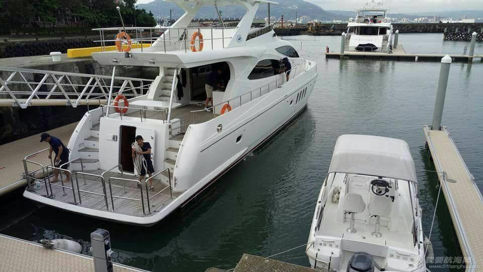 台湾渔港与游艇港并存而不是因为游艇而赶尽杀绝渔船 165225hbi2c8bii4477b66.jpg