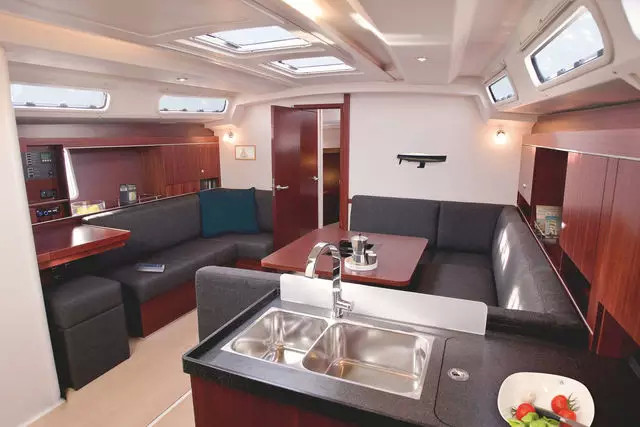 帆船 【HANSE帆船内饰】现代帆船的内部构造 eb4bf1b922f399cbe94aace801a52940.jpg