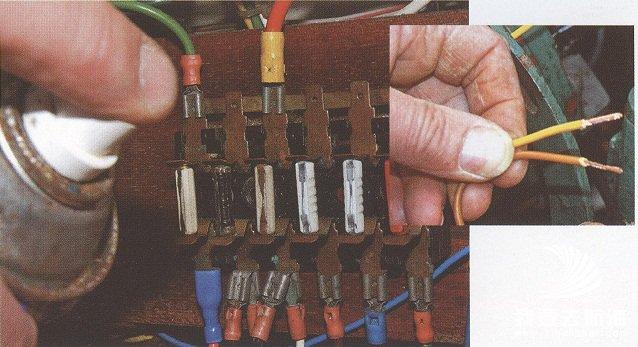 对于检查所有电路连接和线路状况而言,整修期是最 帆船保养之电气